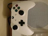 White Xbox one wireless controller
