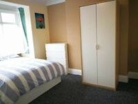WONDERFUL DOUBLE ROOM AVAILABLE NOW IN WESTFERRY!!!