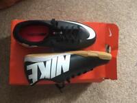 Nike boys trainers size uk3 BNIP