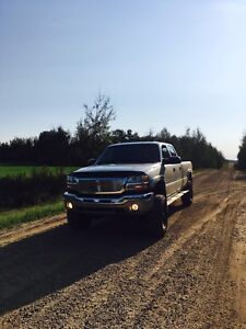 2004 GMC 1 ton crew long box duramax