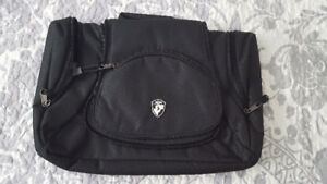 Heys Hanging Toiletry Bag - New