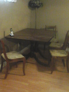 Duncan phife with double drop leaf table and  4 chairs