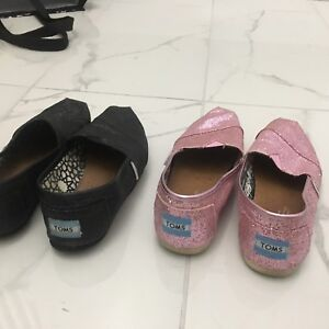 5 pairs of size 6 shoes, 2 pairs of toms