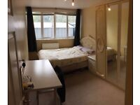 Central, furnished, large double bedroom - flat share - Zone 1 - Shadwell