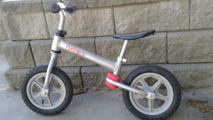 KIDS RUNNERS BALANCE BIKE