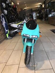 2001 Ducati 748