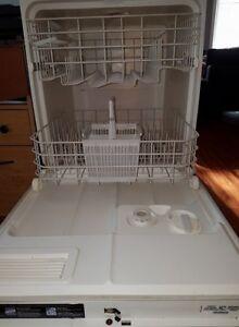 Lave-vaisselle JE