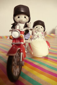 Sylvanian Families - Motorbike and side car with characters used but in good condition