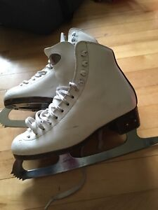 Riedell Figure skates size 4