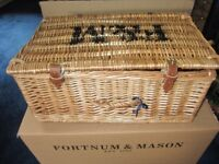 Fortnum & Mason Wicker Picnic Hamper in Box Used Once (empty!)