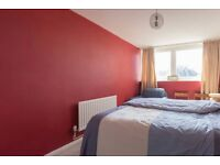 A Very Spacious Master Bedroom , For the Working person at the North Watford Area