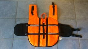 DOG LIFE VEST * Reflective * In NEW Condition * Med size Dog *