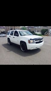 2010 Chevrolet Tahoe 9 passengers 4X4 fully Loaded 10999$