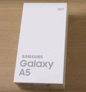 SAMSUNG GALAXY A5 2017 32GB BLACK COLOR  $400