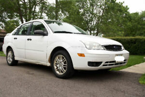 2005 Ford Focus ZX4 SE FOR SALE AS IS or PARTS 900