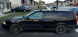 1999 Volvo V70 Familiale noir - 170 000 kilo - Propre, Cuir+++