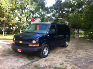 2004 CHEV EXPRESS 1500 4x4 ALL WHEEL DRIVE VAN 8 PASS,11or 12