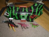 Dino Valley helicopter with 3 Dinosaurs good condition