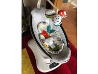 Great Condition Mamaroo 4moms
