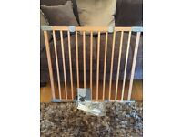 BABYDAN wooden adjustable width stair gate