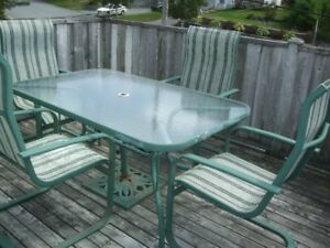PATIO TABLE AND FOUR CHAIRS SET