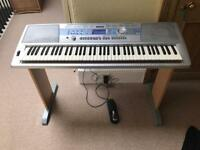 Yamaha Portable Grand DGX-200 electronic piano
