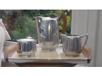 Teapot set with tray (vintage)- 1950s Picquot ware - very good condition