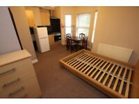 1 bedroom flat in Wantage Road Room 5, Room 5, Reading, RG30