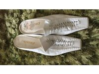 White 100% Leather Shoes by Jane Shilton