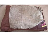 Large Pet Bed - Suitable for Cat or Dog
