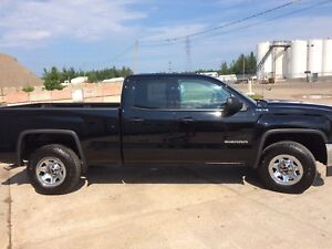 2016 GMC Sierra 4x4 * Almost Brand New!*