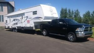 2005 toy hauler with 2016 Dodge RAM 3500