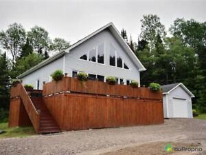 192 000$ - Maison à un étage et demi à vendre
