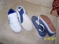 boys shoes/trainers/Walking shoes size 4