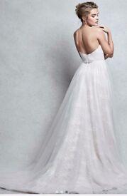 Stunning lace wedding dress, brand new and unworn