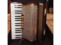 Lovely vintage Hohner accordion, 5 reed settings, 72 bass reeds (2 settings), good condition