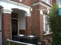 Large modern clean 3 double bedroom flat with garden. 10mins walk to Brixton or Clapham North Tube