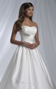 Dere Kiang Wedding gown
