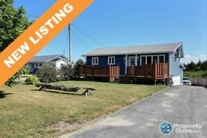 NEW LISTING! Oceanfront 3 bed home with 1 bed apartment!