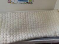 Single Memory foam mattress topper from Dunelm