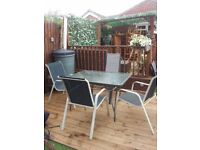 LARGE GARDEN TABLE 4 CHAIRS CAN DLEIVER