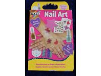 Young Persons Nail Art Beauty Set with Glittery Varnishes & Tattoos