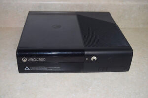 XBOX 360 WITH MULTIPLE GAMES