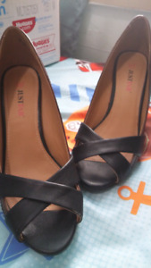 Justfab size 6 open toe pump heels