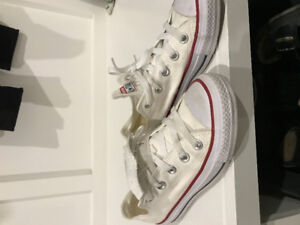 Girls convers size 5