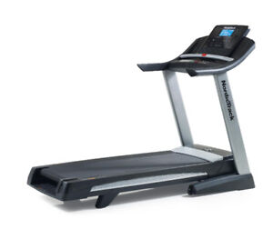 NordicTrack C1550 Folding Treadmill w/ wireless heart monitor