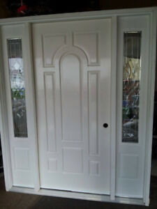 BEAUTIFUL NEW FIBERGLAS MAIN ENTRY DOOR WITH PEWTER SIDE LITES!
