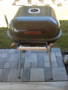 Meco Swinger Charcoal Grill - 4400-2