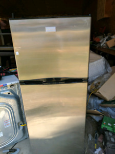 Frigidaire stainless steel apartment size refrigerator like new!