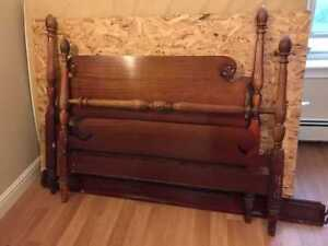 4 poster Double bed for sale